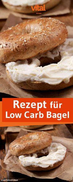 Backrezept für Low Carb Bagel. Bagel mit Mandelmehl, Kokosmehl und Joghurt selber machen