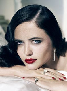 If I could look like anyone on this planet, I'd be Eva Green's mirror image. She's simply stunning
