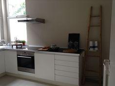 Cuisine équipée:  lave-vaisselle, four, toaster, boulloire .