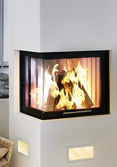 Spartherm pejseindsats, brænde/pilleovne i luksus klassen Pellet Stove, Wood Burning, Fireplaces, Living Rooms, Innovation, New Homes, Couch, Spaces, Interior Design