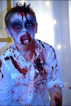 Zombie boy, my favourite face paint/make up of halloween The boy rocked… Halloween Zombie, Boy Zombie Costume, Halloween Makeup For Kids, Zombie Kid, Halloween Costumes Kids Boys, Zombie Make Up, Zombie Crawl, Zombie Mask, Boy Costumes