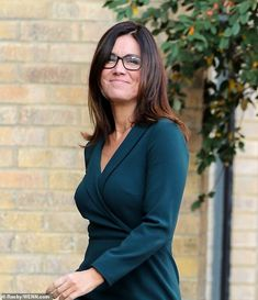 Sensational: The presenter showed off her sartorial fashion sense in the classic midi dress, finishing the look with smart black glasses British Celebrities, Beautiful Celebrities, Gorgeous Women, Sexy Older Women, Sexy Women, Suzanna Reid, Kirsty Gallacher, Bollywood, Tv Presenters