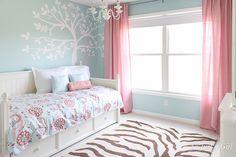 blue-girls-room.jpg 600×400 pixeli