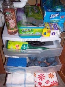 organizar-prductos-de-Como organizar y guardar productos de Limpieza http://comoorganizarlacasa.com/como-organizar-productos-de-limpieza/(23)
