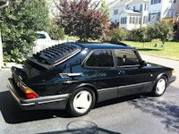 Saabnet.com 1993 & Earlier Saab 900 Classifieds -- I totally want this car!  :)