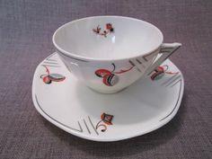 Belle tasse et sous-tasse art-deco ancienne en porcelaine tcheque
