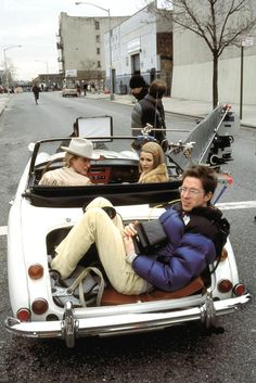 """THE ROYAL TENENBAUMS"" Owen Wilson, Gwyneth Paltrow, director Wes Anderson on the set (2001)"