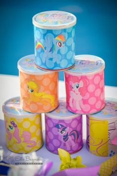 Super cute #partyideas #fiesta #cumpleaños #birthday #mylittleponyparty #partydecor #partyfavors