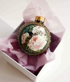 Christmas Ornament Victorian Roses Shabby Chic Vintage Hand Painted  This is a HAND PAINTED clear glass ball . It is 3 inch in size.  The Christmas