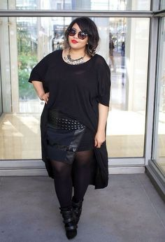 yourstylecompass:  Gabi Fresh looks super chic in this all black ensemble!