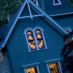 Halloween craft: House-o'-Lantern