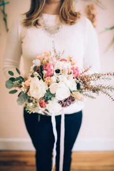 DIY bridal bouquet tutorial | Just Delightful Events and Abbey Moore Photography | see more on: http://burnettsboards.com/2014/04/diy-hand-tied-bouquet/ #bouquet
