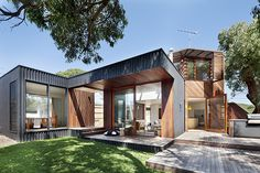 Stunning Renovation of the Ark House in Australia, We have been impressed seeing different house renovations in past posts. But we really cannot deny it how vast and extreme the renovations turn out to. Contemporary Architecture, Interior Architecture, Home Interior Design, Interior And Exterior, Prefab, Modern House Design, Modern Houses, Beautiful Homes, Beach House