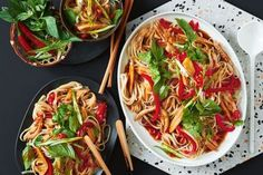 These delicious Thai inspired noodles will be on the table in just 25 minutes. Thai Drunken Noodles, Sweet Potato Patties, Zucchini Fritters, Asian Recipes, Ethnic Recipes, Malaysian Food, Fresh Coriander, Noodle Recipes, Convenience Food