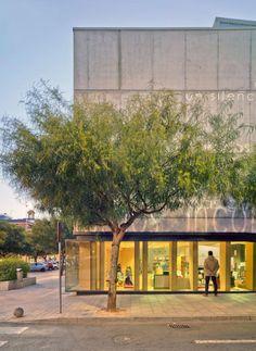 Vista exterior. Biblioteca Pública de San Vicente. Fotografía © David Frutos. David, San Vicente, Libraries, Spaces, Buildings, Architecture