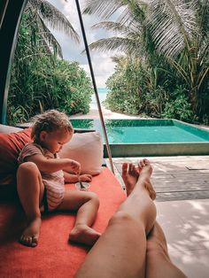 Mein Happy Place auf den Malediven – das Niyama Maldives in 44 Fotos Surf Shack, Hotel Am Meer, Hotel In Den Bergen, Outdoor Furniture, Outdoor Decor, Maldives, Places, Lilies, Portugal