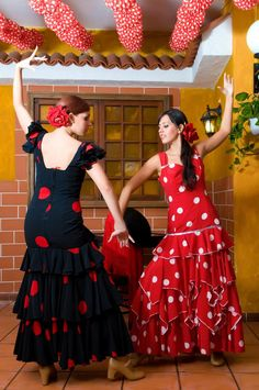 spainwomenintraditionalflamencodresses-1230.jpg (664×1000)