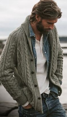 Such a great look. White henley denim shirt sweater and the bear Männerkleidung Cardigan En Maille, Cable Knit Cardigan, Cashmere Cardigan, Knit Beanie, Mode Masculine, Look Fashion, Winter Fashion, Fashion Outfits, Fashion Ideas