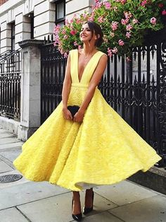 Chic Homecoming Dress Sexy Appliques Daffodil Short Prom Dress Party Dress JK354