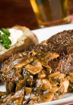 Beef Tenderloin Steaks with Mushroom Wine Sauce - The Cooking Mom - ChrySSa-recipes Beef Tenderloin Recipes, Tenderloin Steak, Pork Roast, Beef Steaks, Roast Brisket, Beef Dishes, Food Dishes, Food Food, Main Dishes