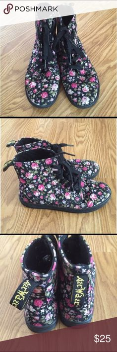 ⚡️⚡️Sale⚡️⚡️Super Cute Floral Dr Martens Sneakers! Dr Martens floral fabric sneakers. Outside in good condition. Please note the insole of right foot only is slightly lose at toe part. Dr. Martens Shoes Sneakers