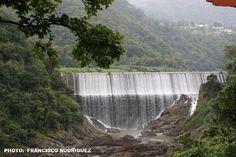 La Antigua Hidroeléctrica en Comerio, Puerto Rico