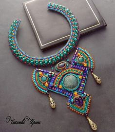 Beautiful bead embroidered jewelry by Irina Chikineva | Beads Magic