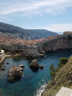 A lot of people told me Dubrovnik was now too touristy to be enjoyable but I'm glad I went anyway and had an amazing trip! || Click on the photo to discover the most incredible destinations with us :)