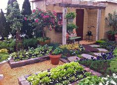 Kitchen Garden | jardin potager | Homestead Gardens' Mediterranean Retreat