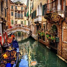 ⏳در سفر به ایتالیا حواستان به زمان باشد!  چگونه بیشترین جاذبه ها و دیدنی های این کشور را در کوتاه ترین زمان ببینیم؟👇 https://www.eligasht.com/Blog/?p=15198