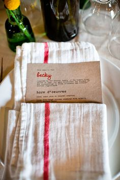 rustic place setting. ikea napkin. Awesome look for a Christmas dinner
