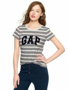 Camiseta Gap Women's Arch Logo Striped T Navy Stripe #Gap#Camiseta
