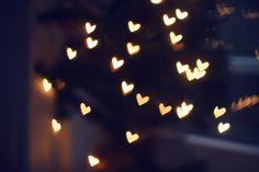 Uitleg over hoe je lichtjes op foto's verandert in hartjes en andere vormen. Super makkelijk en heel leuk! - (uitleg staat in de bron)