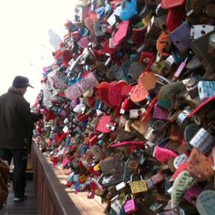 Seoul Namsan tower lock message