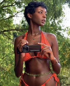 Beautiful Black Girl, Pretty Black Girls, Black Girl Beach, Afro, 3 Chakra, Dark Skin Beauty, Black Girl Aesthetic, Brown Skin, Black People