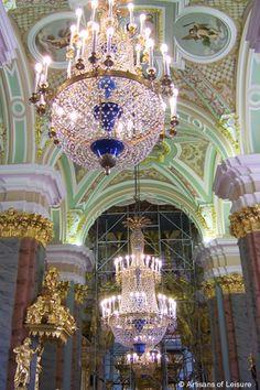 Catedral de Pedro y Pablo (Петропавловский собор ), ubicada dentro de la Fortaleza de Pedro y Pablo en San Petersburgo - Rusia
