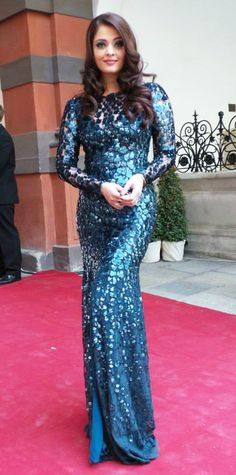 Aishwarya Rai in Roberto Cavalli fish scales embellishment blue mermaid #dress @ the Life Ball 2013 Gala Dinner