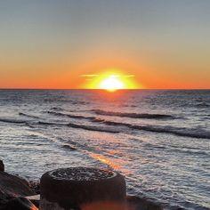 #amanecer #amaneceres #amanhecer #amaneciendo #andalucia #beautiful #buenosdias #buentiempo #calidad #calidaddevida #españa #follow #follow4follow #guadalmina #love #loveit #lovely #mar #malaga #marbella #marbellalife #marbella2015 #nubes #november #noviembre #puestadesol #sur #spain #🌞