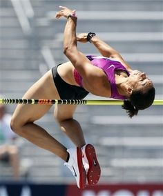 if i could have my own private high jump pit i would be soooooo so happy :] Action Pose Reference, Human Poses Reference, Pose Reference Photo, Body Reference, Anatomy Reference, Poses Dynamiques, Body Poses, Action Posen, Foto Sport