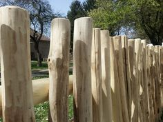 Zulu fakerítés - Fa a kertben Rustic Fence, Fa, Zulu, Texture, Landscape, Wood, Projects, Crafts, Surface Finish