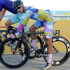 Cycling Wear, Cycling Jerseys, Road Cycling, Cycling Outfit, Cycling Clothing, Buy Bike, Bike Run, Lycra Men, Specialized Bikes