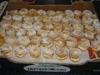Vynikající věnečky které se vždy povedou!!!!!!! Czech Desserts, Easy Desserts, Dessert Recipes, Snack Recipes, Slovak Recipes, Czech Recipes, Healthy Diet Recipes, Cooking Recipes, Yummy Treats