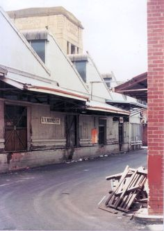 Metropolitan Markets, West Perth, 1988. This site is now home to Harbour Town.