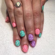 80's doodle nails