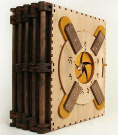 A Codex Silenda combinou duas coisas deliciosas para se passar o tempo (quebra-cabeças e livros) em uma única caixa. Essa caixa de madeira nada mais é do que um livro cheio de travas que precisam ser desvendadas para continuar a leitura. A Codex foi criada pelo designer Brady Whitney e financiada em um projeto de (...)