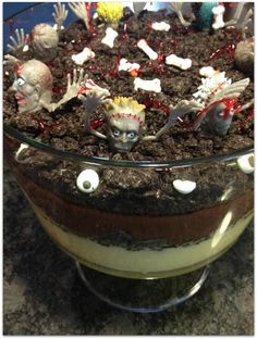 Halloween Ideas Creepy Halloween Food, Halloween Ideas, Halloween Party, Holiday Fun, Holiday Ideas, Holiday Gifts, Beverages, Drinks, Fall Recipes