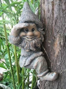 polyresin garden gnome and garden dwarf/elf craft from China Arts, Crafts & Gifts Supplier Haocheng Craft-ware Factory, polyresin garden gnome and garden dwarf/elf craft supplier Baumgarten, Kobold, Tree Faces, China Art, Gnome Garden, Christmas Gnome, Woodland Creatures, Miniature Fairy Gardens, Fairy Land