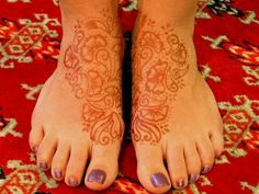 Pretty floral henna tattoo for feet