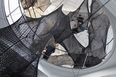 tube-net-installation-by-numenfor-use-3