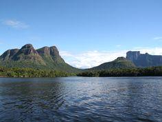 Cerro Indio acostado, Rio Orinoco, Estado Amazonas                              …